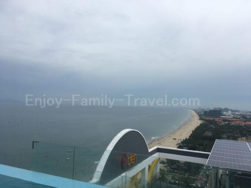 ベトナム・ダナン・TMSホテルのプールからの眺め