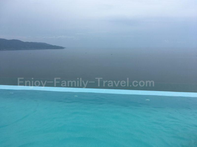 ベトナム・ダナン・TMSホテルのプールからの眺め2