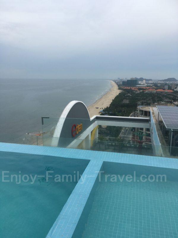 ベトナム・ダナン・TMSホテルの子供用プールと大人用プール