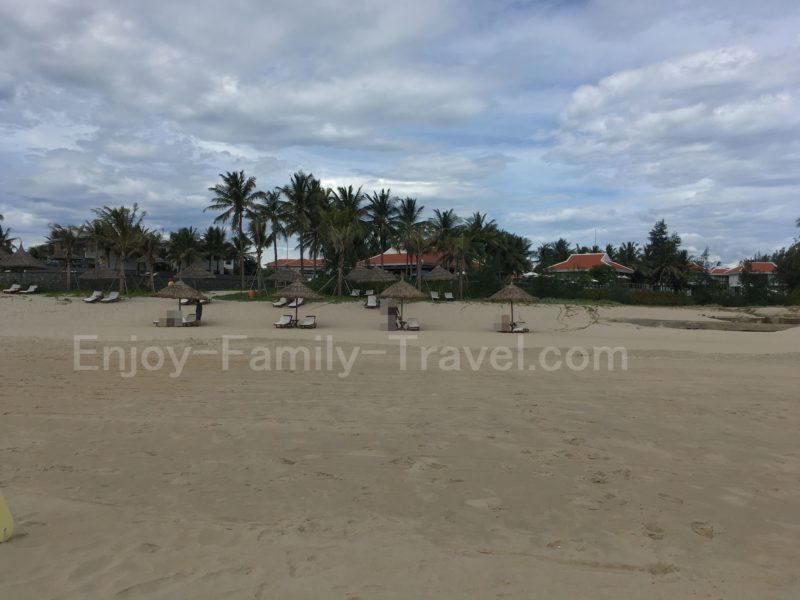 ベトナム・ダナン、ジ・オーシャン・リゾート・ヴィラ、ジ・オーシャン・リゾート・スイートアパートメントのプライベートビーチ