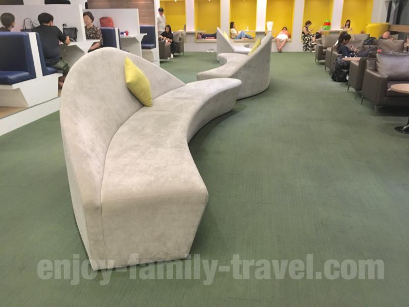 ベトナム・ダナンエアポートラウンジCIP ORCHID LOUNGEのソファー席