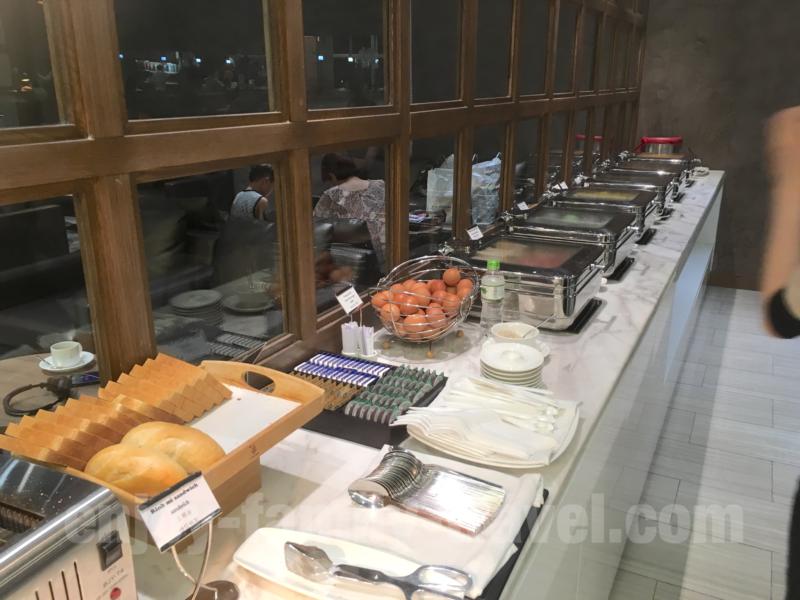 ベトナム・ダナンエアポートラウンジCIP ORCHID LOUNGEの食事